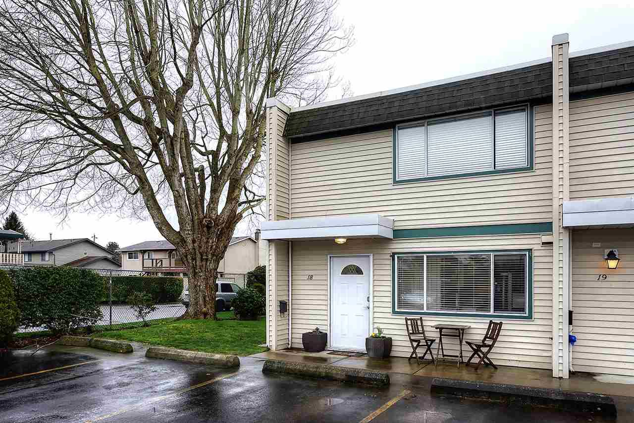 "Main Photo: 18 4949 57 Street in Delta: Hawthorne Townhouse for sale in ""OASIS"" (Ladner)  : MLS®# R2238489"