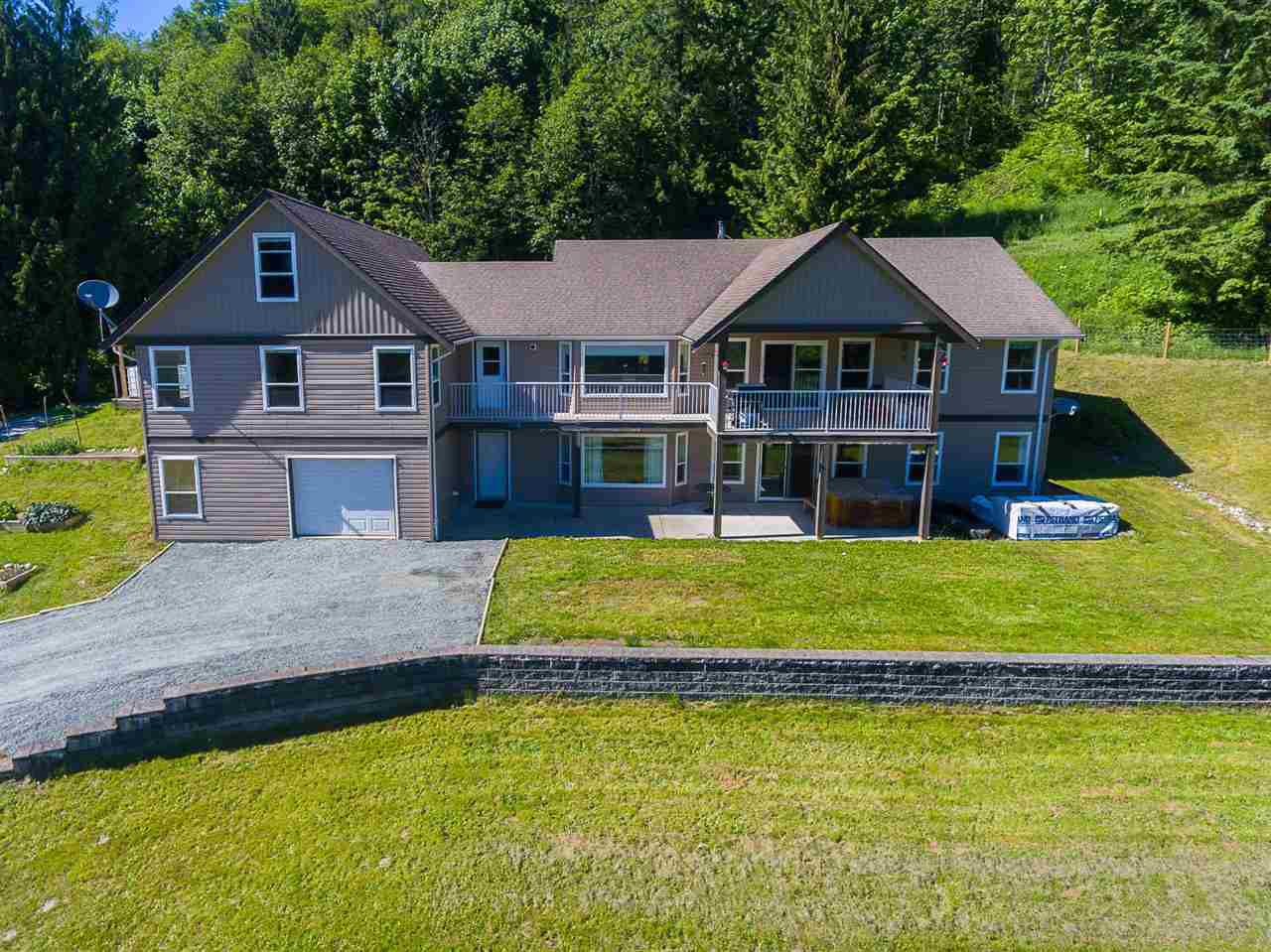 "Main Photo: 49959 ELK VIEW Road: Ryder Lake House for sale in ""Ryder Lake"" (Sardis)  : MLS®# R2252302"
