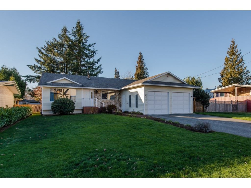 Main Photo: 2073 WILEROSE Street in Abbotsford: Central Abbotsford House for sale : MLS®# R2327037
