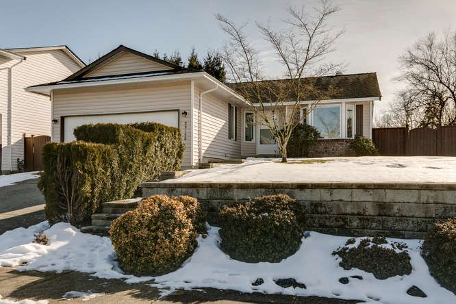 Main Photo: 23158 124A Avenue in Maple Ridge: East Central House for sale : MLS®# R2342852