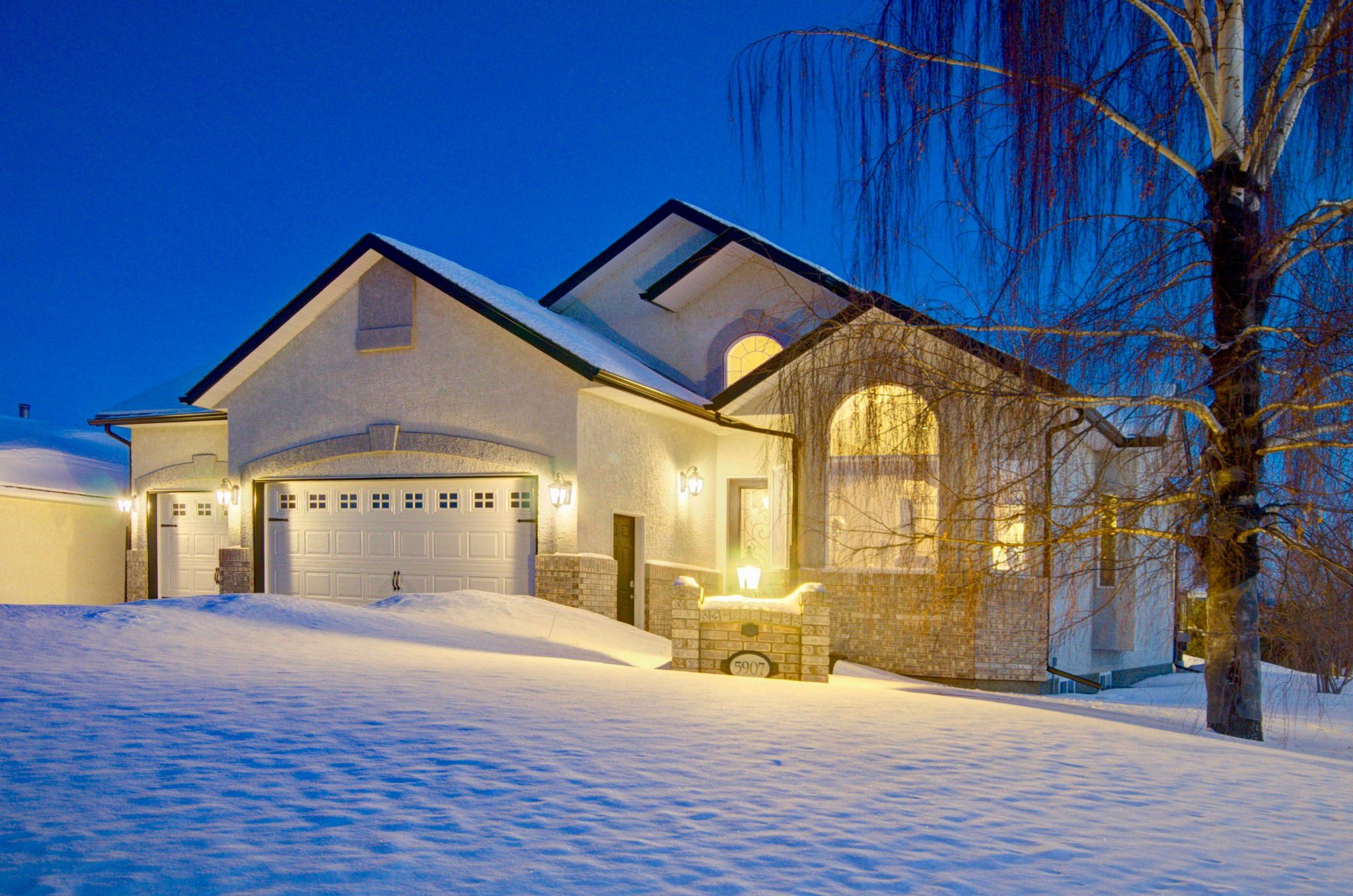 Main Photo: 5907 50 Avenue: Barrhead House for sale : MLS®# E4146109