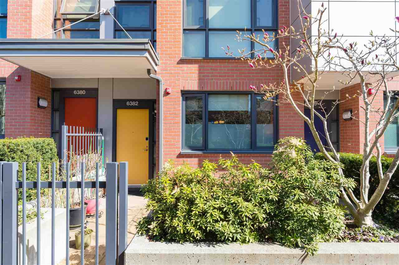 """Main Photo: 6382 ASH Street in Vancouver: Oakridge VW Townhouse for sale in """"Weston Walk"""" (Vancouver West)  : MLS®# R2366628"""