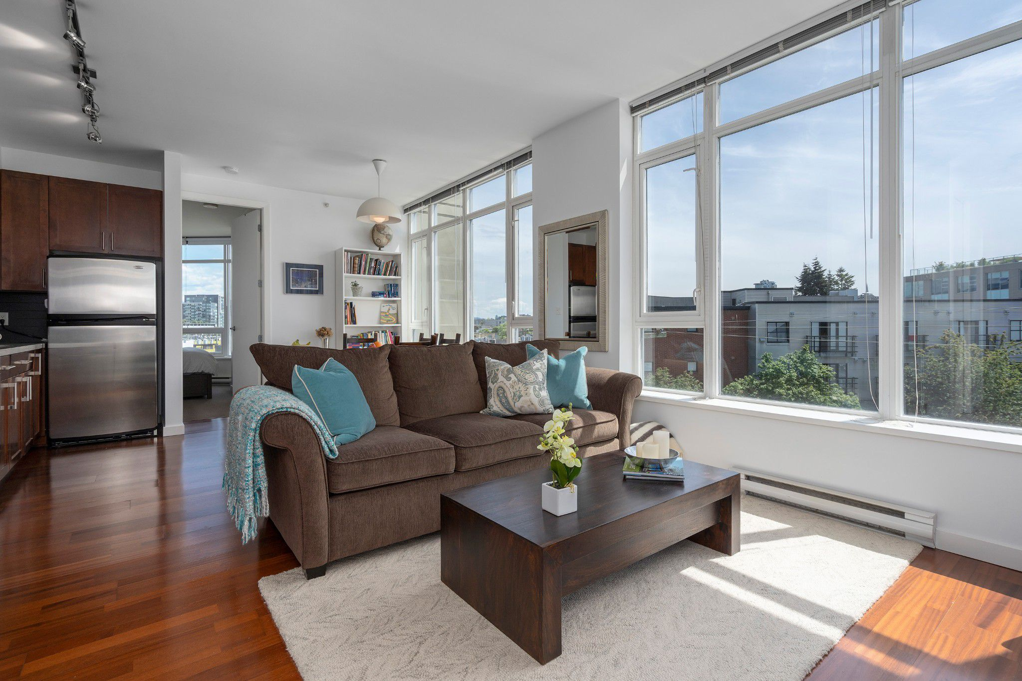 "Main Photo: 413 2055 YUKON Street in Vancouver: False Creek Condo for sale in ""THE MONTREUX"" (Vancouver West)  : MLS®# R2371441"