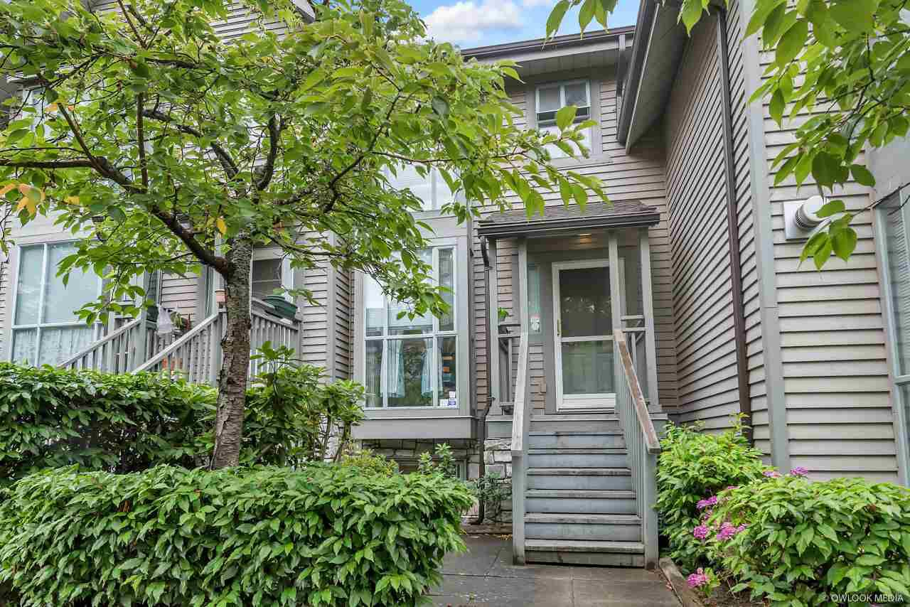 Main Photo: 4857 DUCHESS Street in Vancouver: Collingwood VE Townhouse for sale (Vancouver East)  : MLS®# R2373798