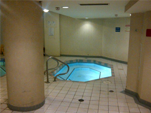 Photo 10: Photos: # 606 1245 QUAYSIDE DR in New Westminster: Quay Condo for sale : MLS®# V956089