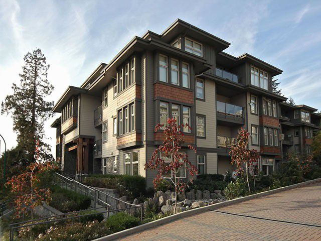 Main Photo: 305 188 W 29th Street in North Vancouver: Upper Lonsdale Condo for sale : MLS®# V968242