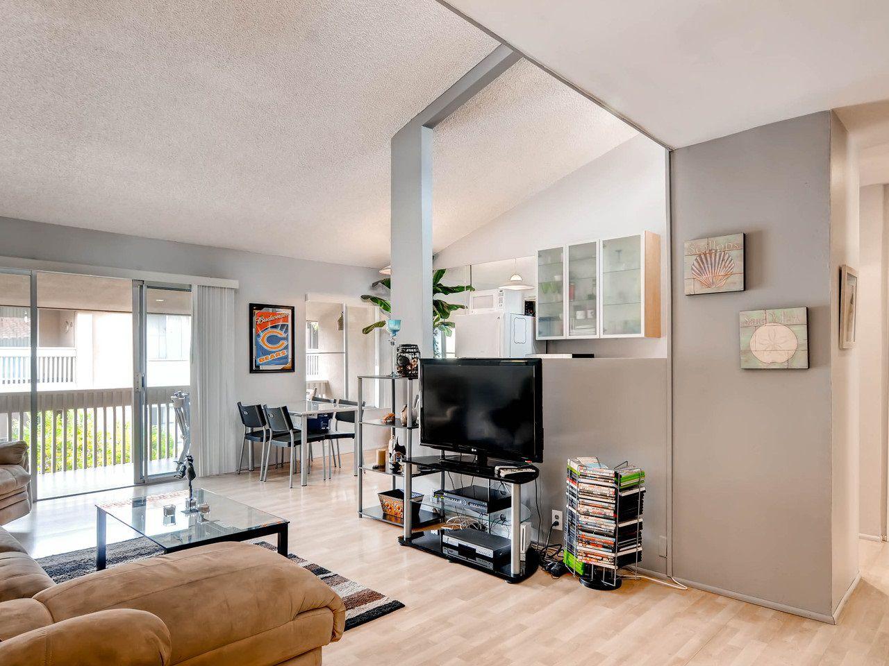 Main Photo: PACIFIC BEACH Condo for sale : 2 bedrooms : 1801 Diamond St. #318 in San Diego