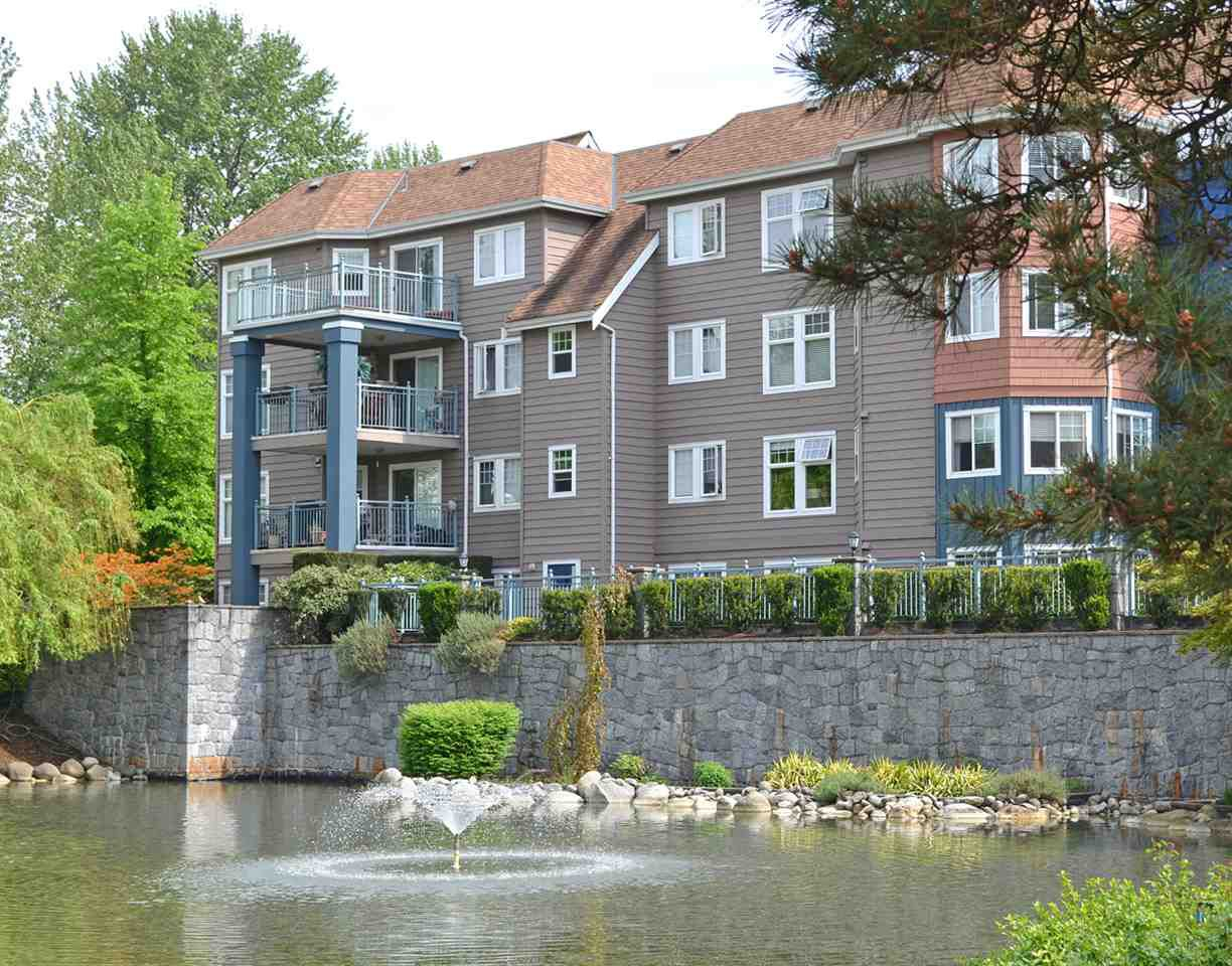 "Main Photo: 104 1200 EASTWOOD Street in Coquitlam: North Coquitlam Condo for sale in ""LAKESIDE TERRACE"" : MLS®# R2072466"