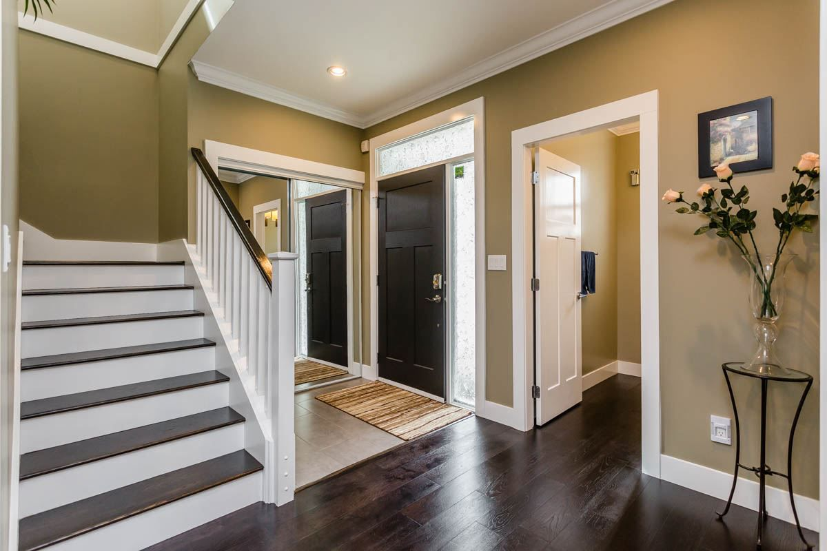 """Main Photo: 2 5511 48B Avenue in Delta: Hawthorne House for sale in """"LINDEN MEWS"""" (Ladner)  : MLS®# R2157239"""