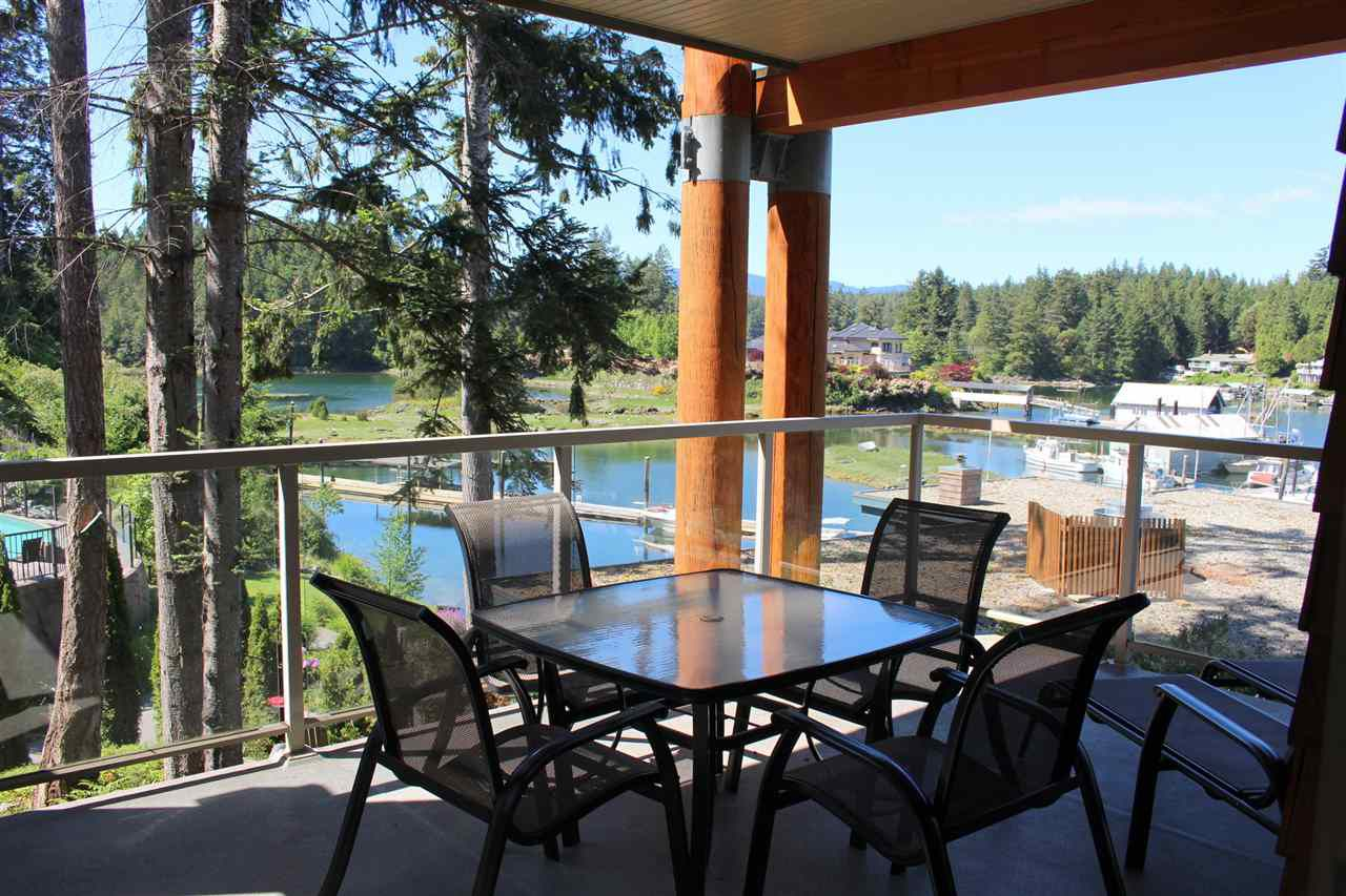 """Main Photo: 18C 12849 LAGOON Road in Pender Harbour: Pender Harbour Egmont Townhouse for sale in """"PAINTED BOAT RESORT"""" (Sunshine Coast)  : MLS®# R2179381"""