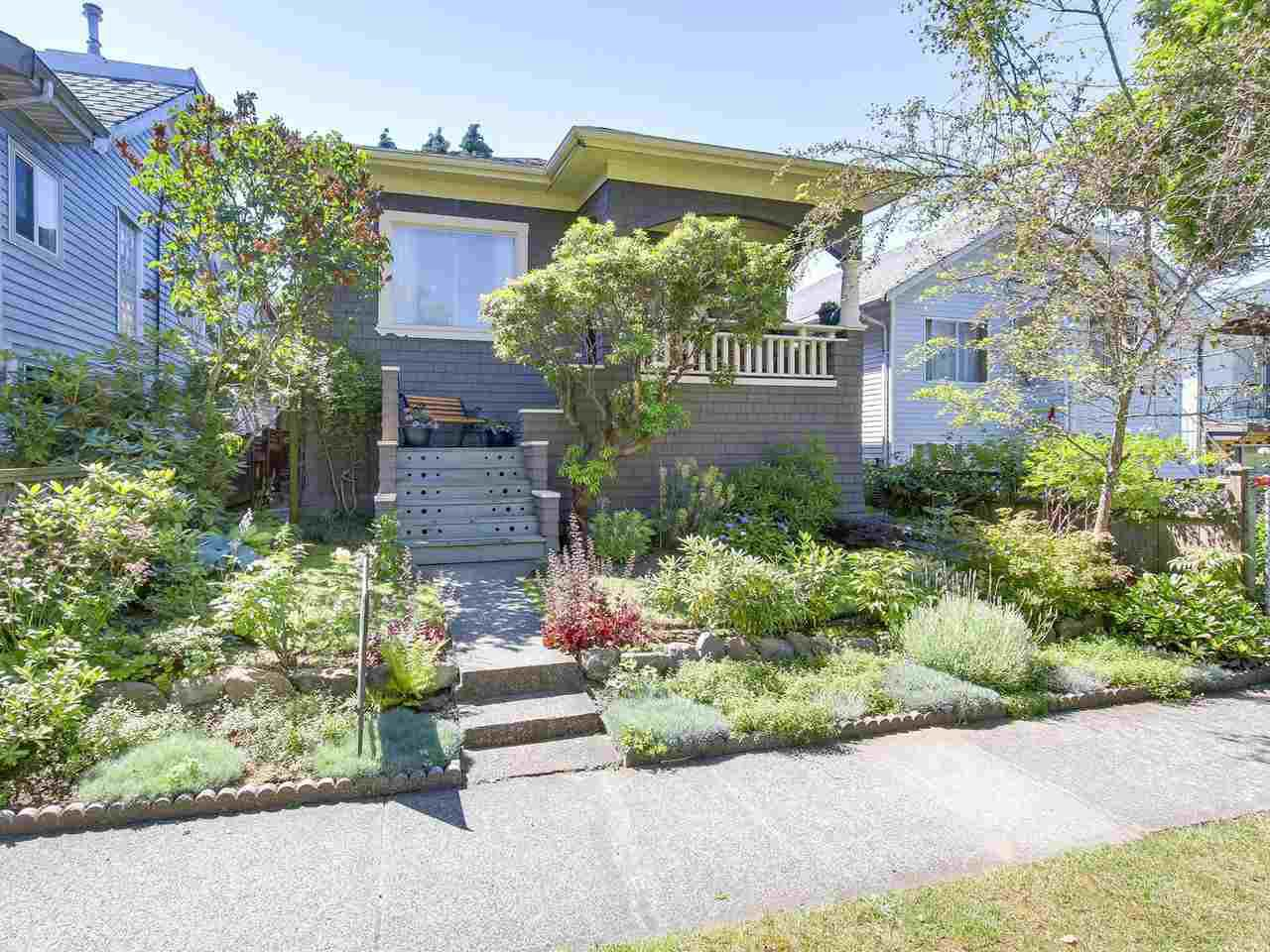 Main Photo: 5239 CHESTER Street in Vancouver: Fraser VE House for sale (Vancouver East)  : MLS®# R2186295