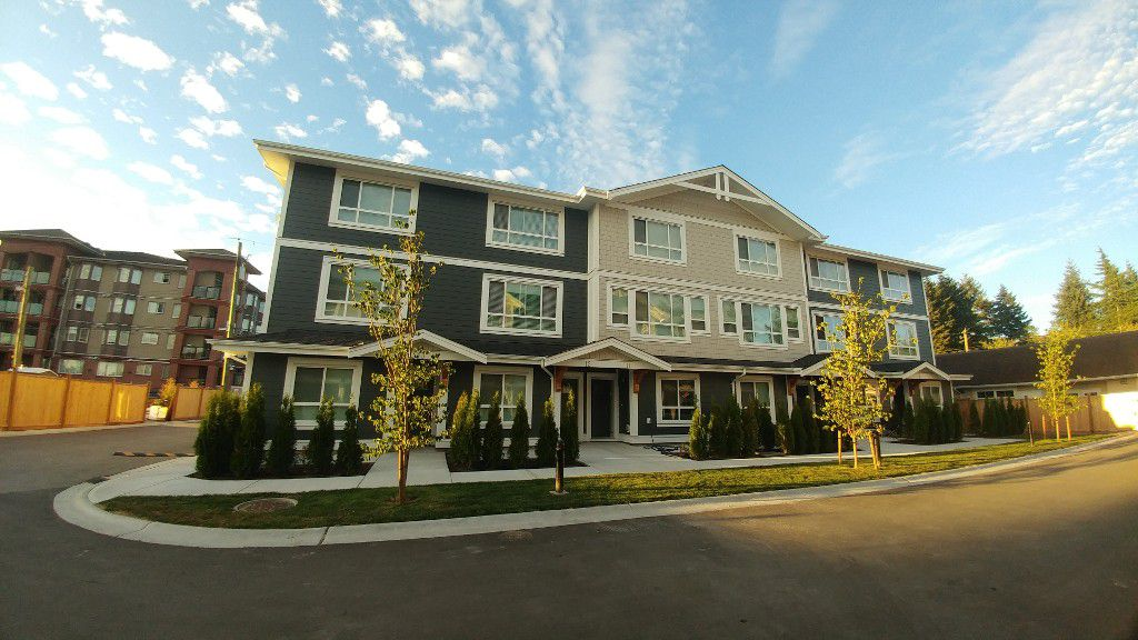 Main Photo: 11-19753 55A Ave in Langley: Townhouse for rent
