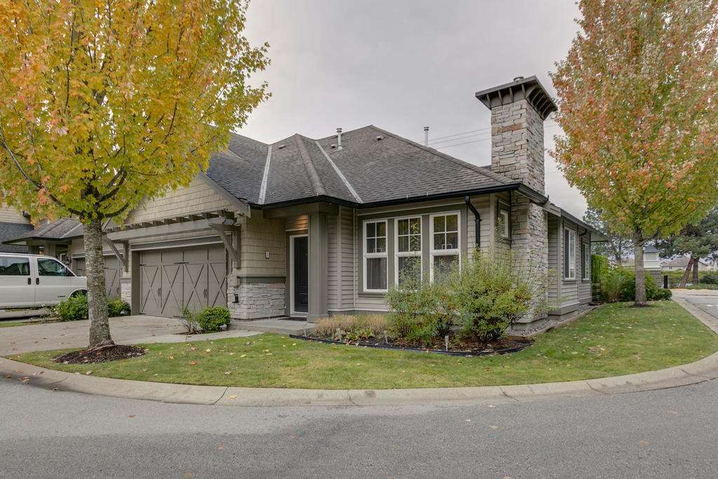 """Main Photo: 13 19452 FRASER Way in Pitt Meadows: South Meadows Townhouse for sale in """"SHORELINE"""" : MLS®# R2216230"""