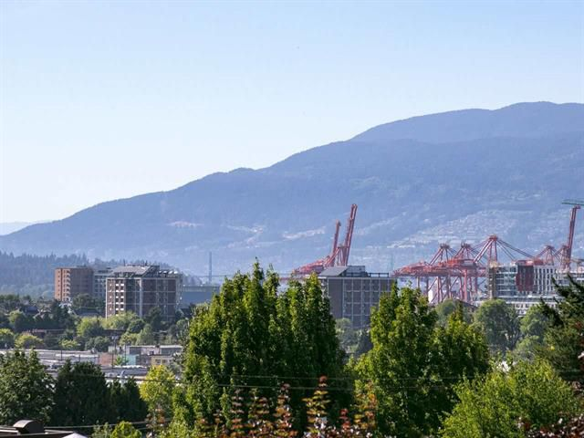 Main Photo: 408 1549 Kitchener Street in Vancouver: Grandview VE Condo for sale (Vancouver East)  : MLS®# R2186242