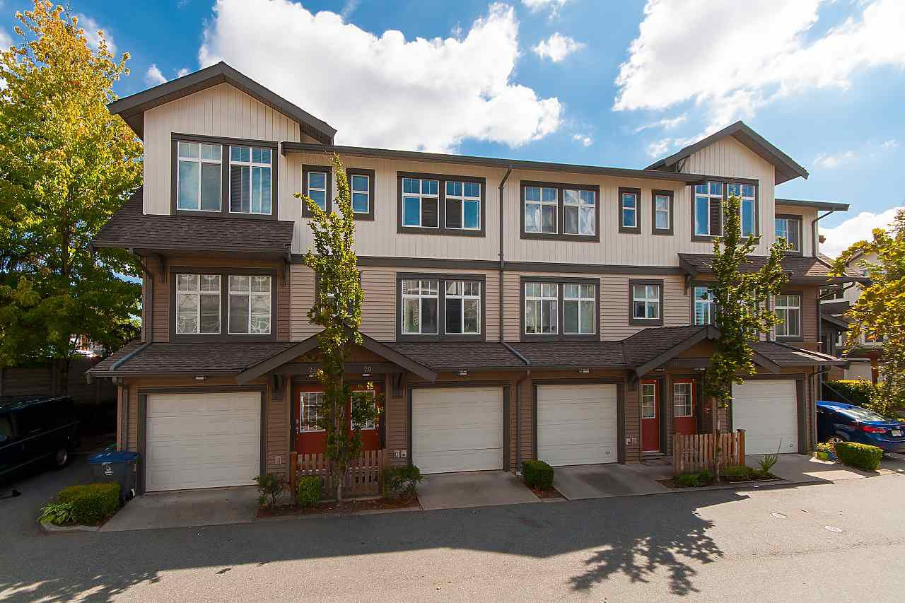 "Main Photo: 20 16233 83 Avenue in Surrey: Fleetwood Tynehead Townhouse for sale in ""Veranda"" : MLS®# R2302868"