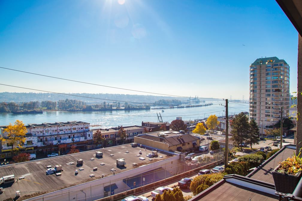 "Main Photo: 306 312 CARNARVON Street in New Westminster: Downtown NW Condo for sale in ""CARNARVON TERRACE"" : MLS®# R2315829"
