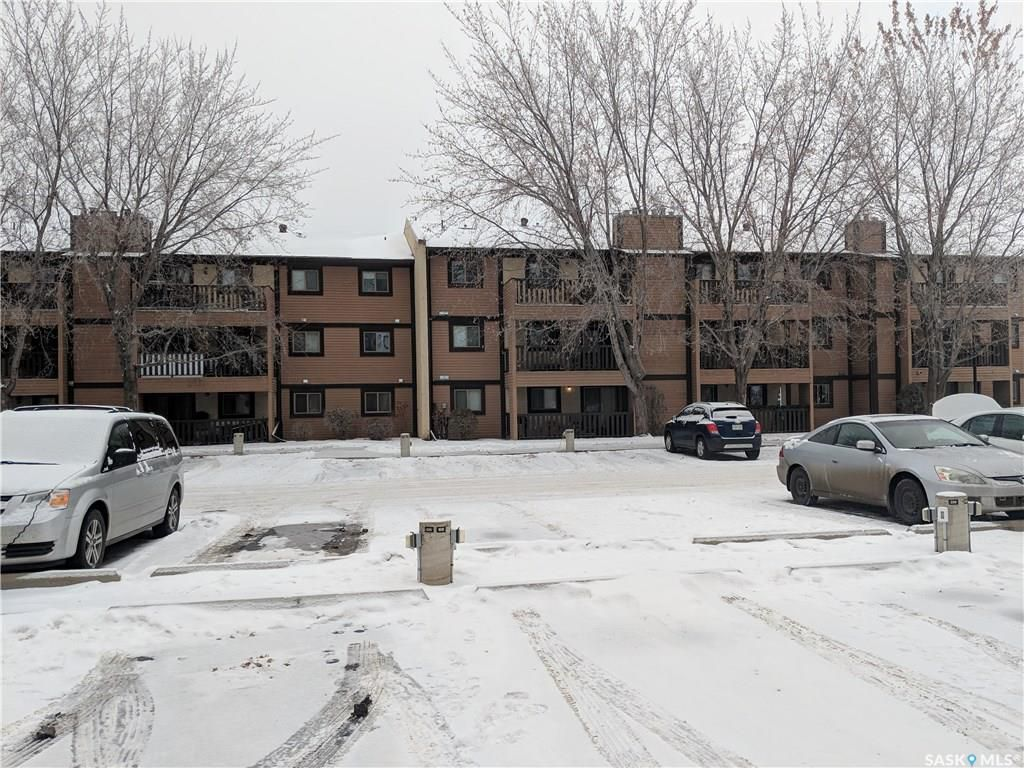 Main Photo: 118 122 Edinburgh Place in Saskatoon: East College Park Residential for sale : MLS®# SK754340