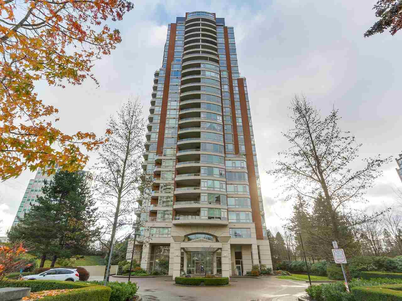 """Main Photo: 1101 6838 STATION HILL Drive in Burnaby: South Slope Condo for sale in """"The Belgravia"""" (Burnaby South)  : MLS®# R2327036"""