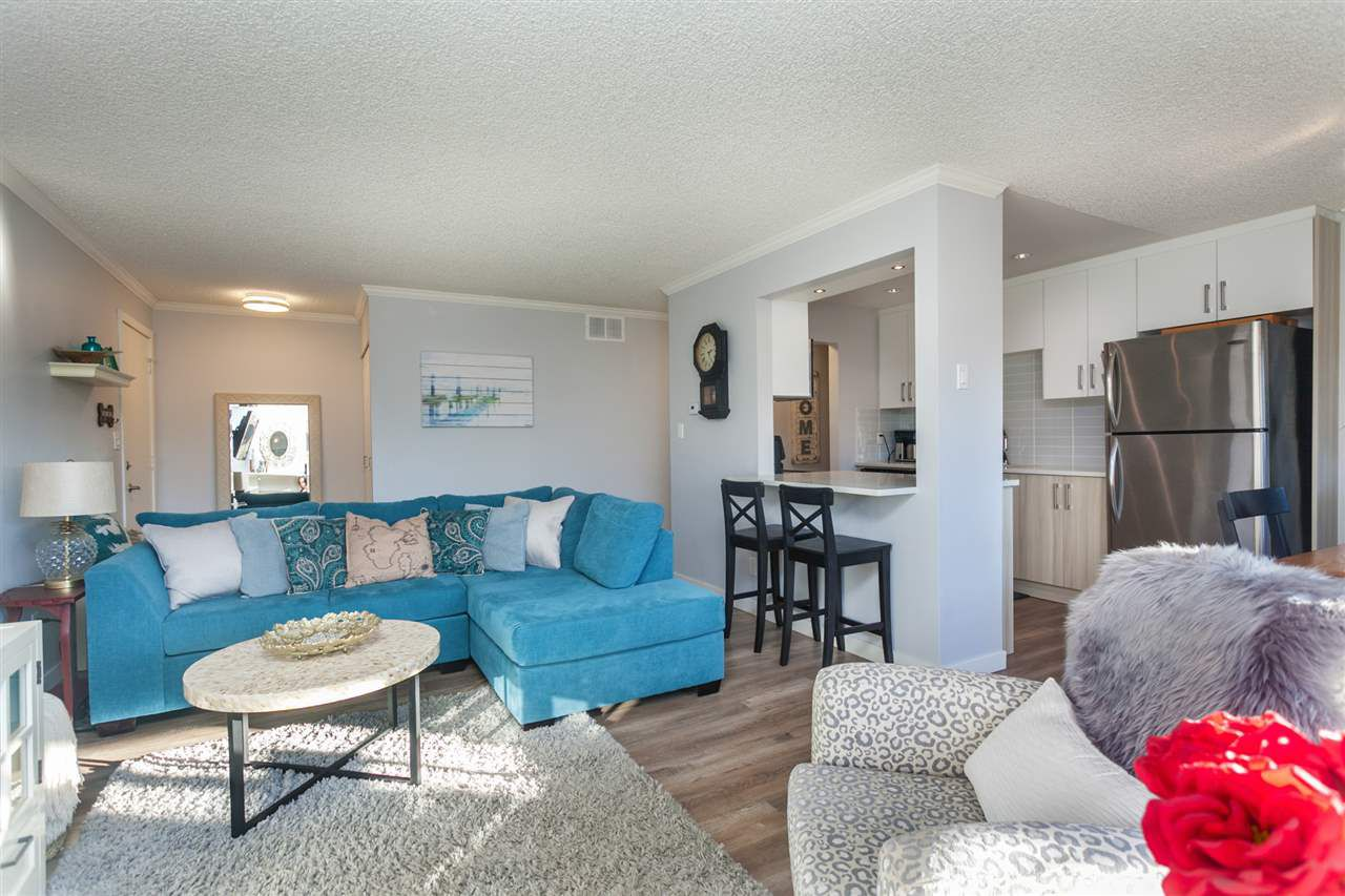 """Main Photo: 1041 OLD LILLOOET Road in North Vancouver: Lynnmour Condo for sale in """"Lynnmour West"""" : MLS®# R2333528"""