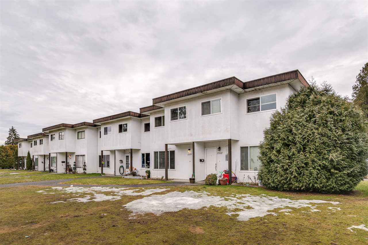 """Main Photo: 21524 MAYO Place in Maple Ridge: West Central Townhouse for sale in """"MAYO PLACE"""" : MLS®# R2350188"""