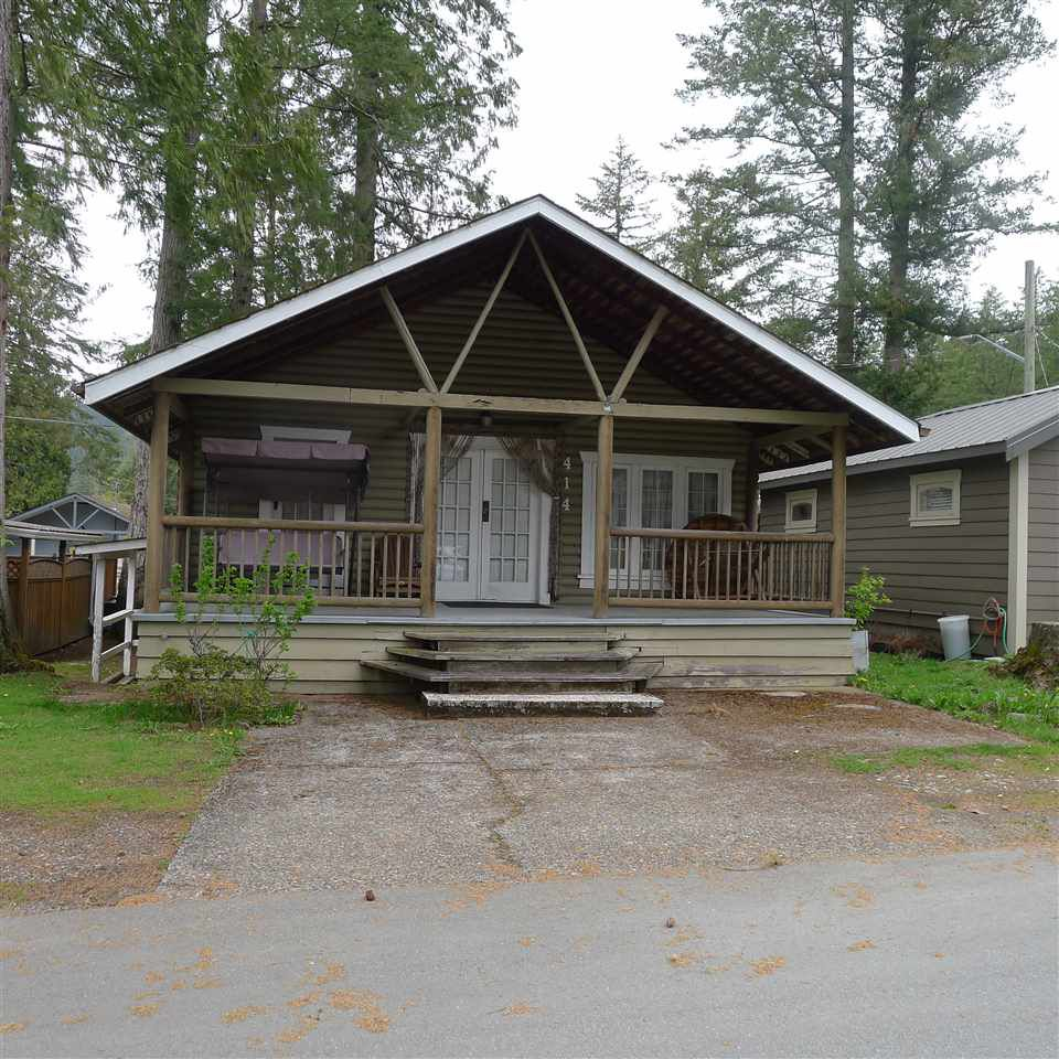 "Main Photo: 414 MAPLE Street: Cultus Lake House for sale in ""CULTUS LAKE"" : MLS®# R2359586"
