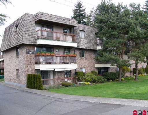 """Main Photo: 115 32175 OLD YALE RD in Abbotsford: Abbotsford West Condo for sale in """"FIR VILLA"""" : MLS®# F2607418"""
