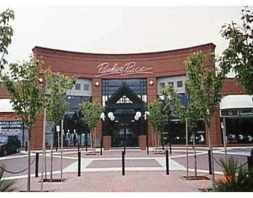 Main Photo: 1725 4311 HAZELBRIDGE WY: Home for sale (Richmond)  : MLS®# V4007766