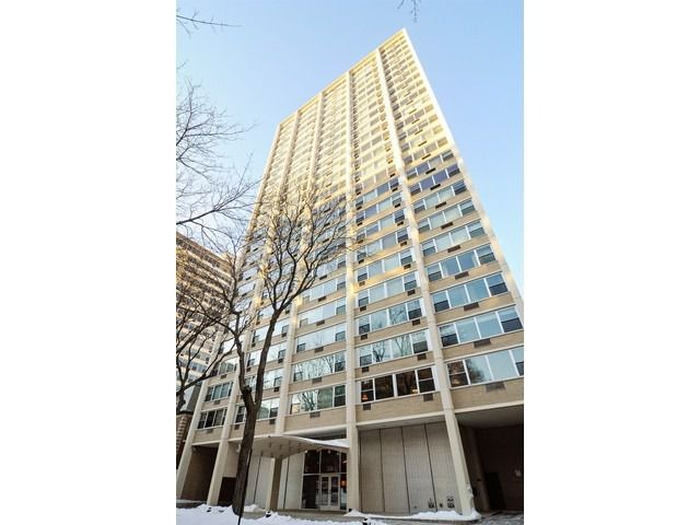 Main Photo: 336 Wellington Avenue Unit 1603 in Chicago: CHI - Lake View Condo, Co-op, Townhome for sale ()  : MLS®# 08886140