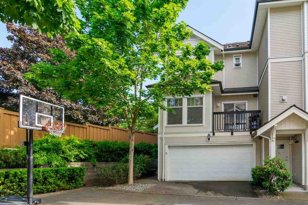 """Main Photo: 14 21535 88 Avenue in Langley: Walnut Grove Townhouse for sale in """"REDWOOD LANE"""" : MLS®# R2072212"""