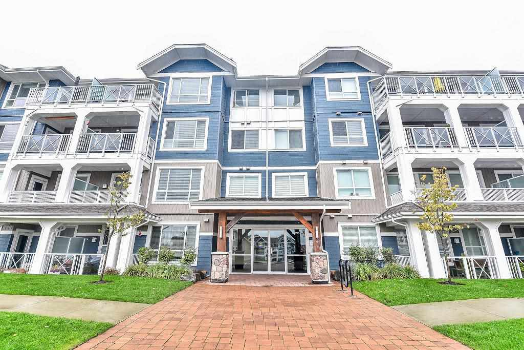 "Main Photo: 201 16396 64 Avenue in Surrey: Cloverdale BC Condo for sale in ""The Ridge at Bose Farm"" (Cloverdale)  : MLS®# R2132431"