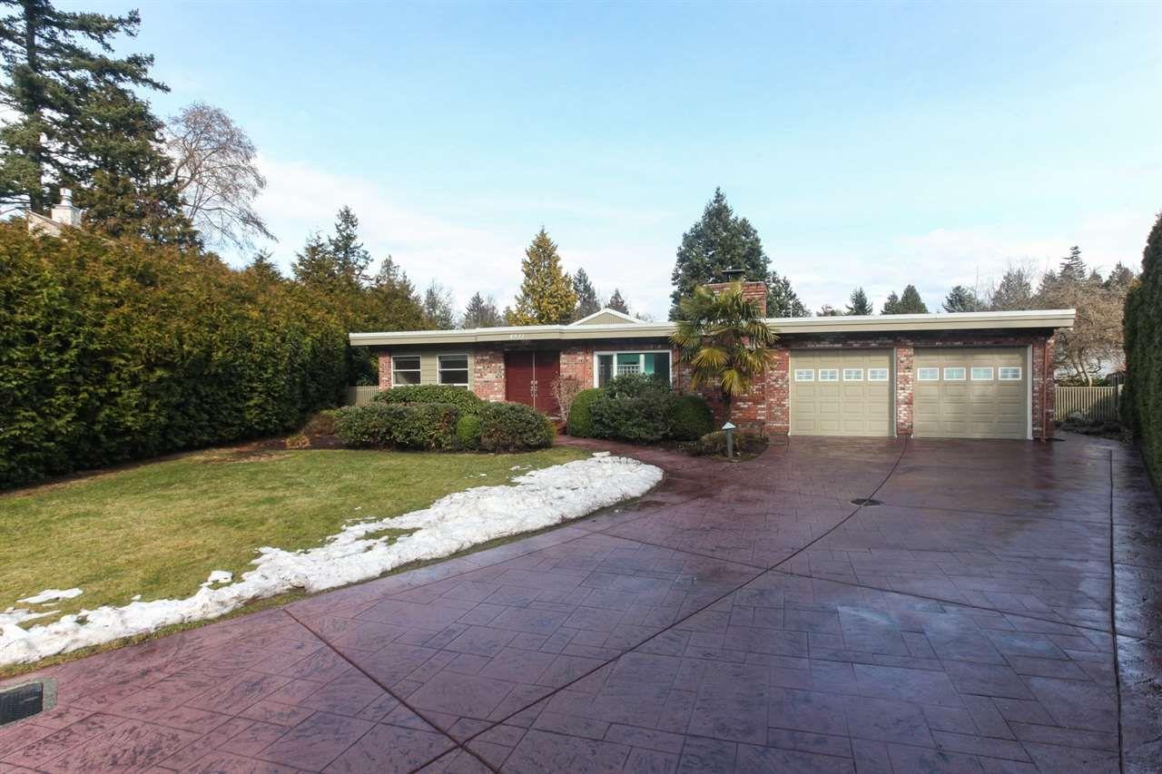 Main Photo: 4931 CEDAR Crescent in Delta: Pebble Hill House for sale (Tsawwassen)  : MLS®# R2243407