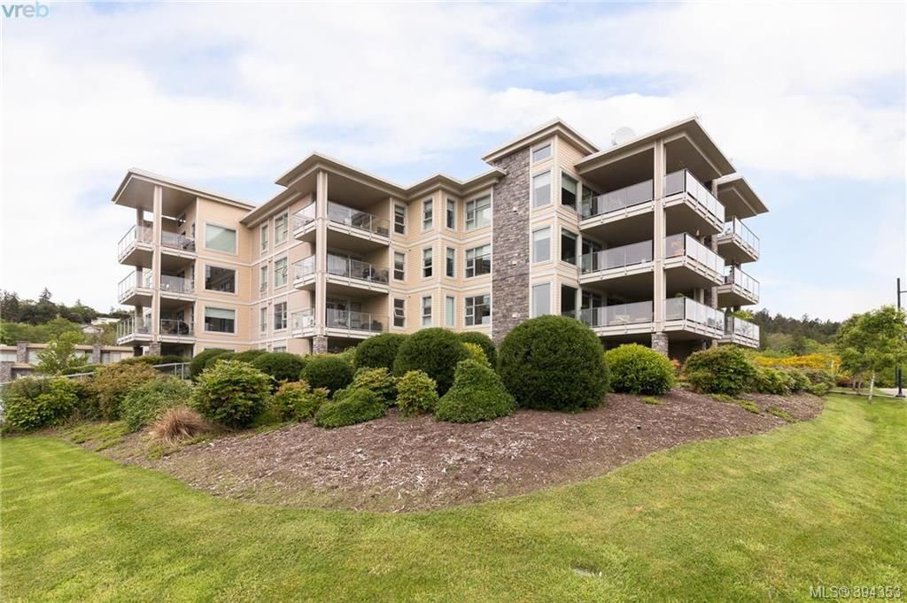 Main Photo: 206 3234 Holgate Lane in VICTORIA: Co Lagoon Condo Apartment for sale (Colwood)  : MLS®# 394353