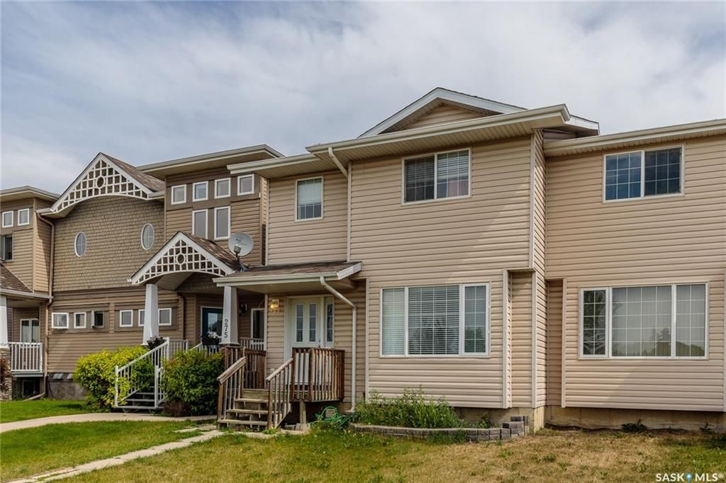 Main Photo: 271 Rutherford Crescent in Saskatoon: Sutherland Residential for sale : MLS®# SK740984