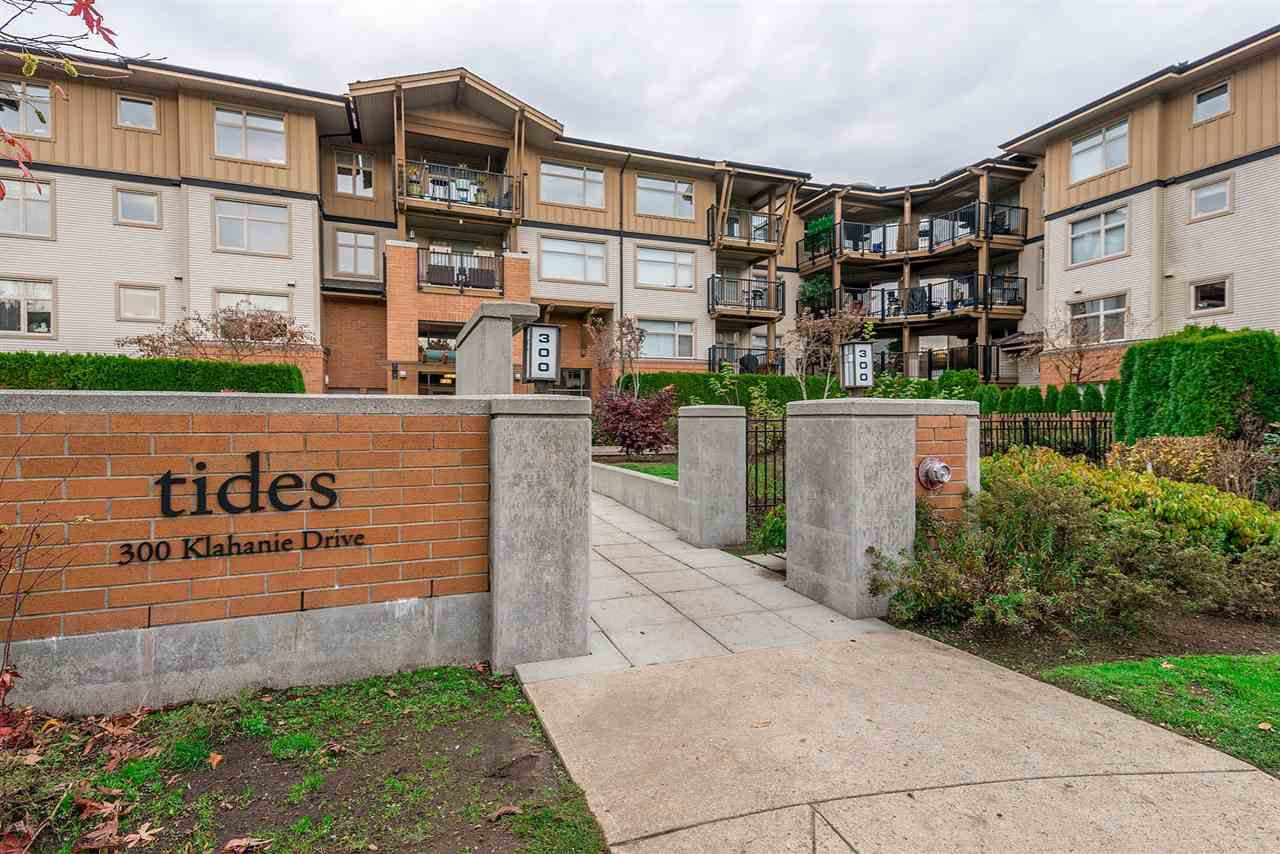 """Main Photo: 303 300 KLAHANIE Drive in Port Moody: Port Moody Centre Condo for sale in """"Tides"""" : MLS®# R2330011"""