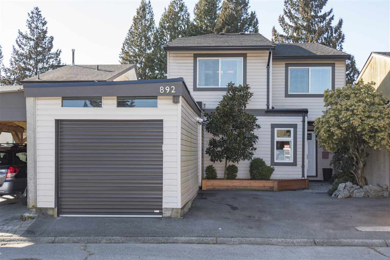 Main Photo: 892 PINEBROOK Place in Coquitlam: Meadow Brook House for sale : MLS®# R2346584