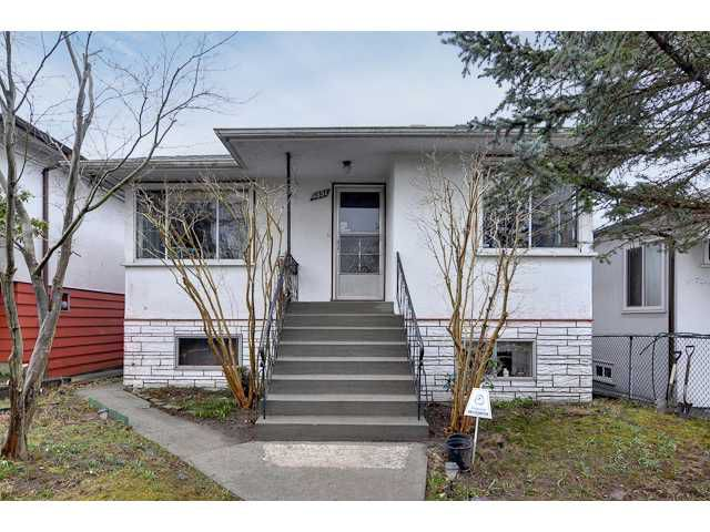 """Main Photo: 3551 WALKER ST in Vancouver: Grandview VE House for sale in """"TROUT LAKE"""" (Vancouver East)  : MLS®# V875248"""