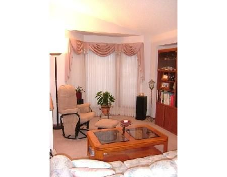 Photo 3: Photos: No Address: Residential for sale (Canada)  : MLS®# 2809999