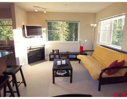 Main Photo: 303 19366 65 Avenue in Surrey: Clayton Condo for sale (Cloverdale)  : MLS®# F2619256