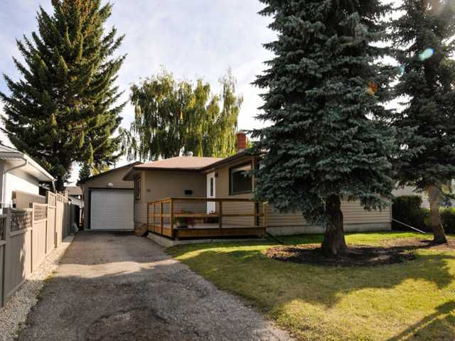 Main Photo: 16 Foxwell Road SE in Calgary: Fairview Residential Detached Single Family for sale : MLS®# C3644346