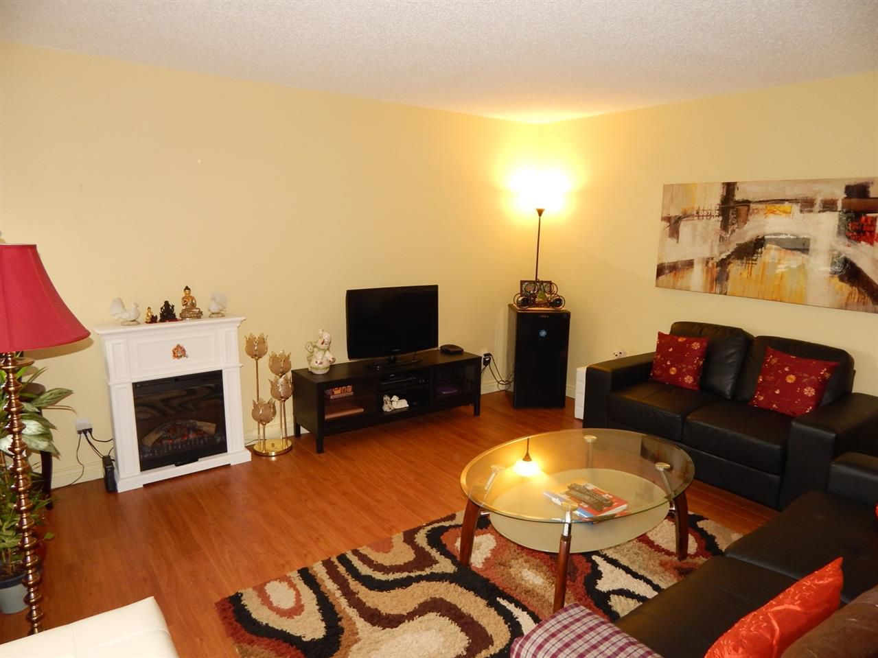 "Main Photo: 406 1026 QUEENS Avenue in New Westminster: Uptown NW Condo for sale in ""AMARA TERRACE"" : MLS®# R2064954"