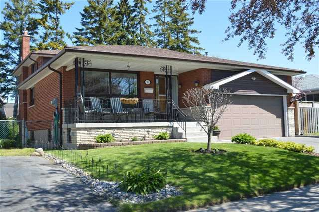Main Photo: 95 Cultra Square in Toronto: West Hill House (Backsplit 4) for sale (Toronto E10)  : MLS®# E3504233