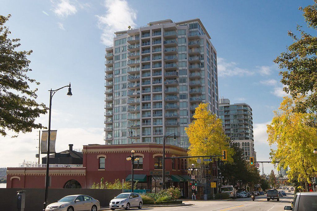 """Main Photo: 1811 668 COLUMBIA Street in New Westminster: Quay Condo for sale in """"TRAPP+HOLBROOK"""" : MLS®# R2105687"""