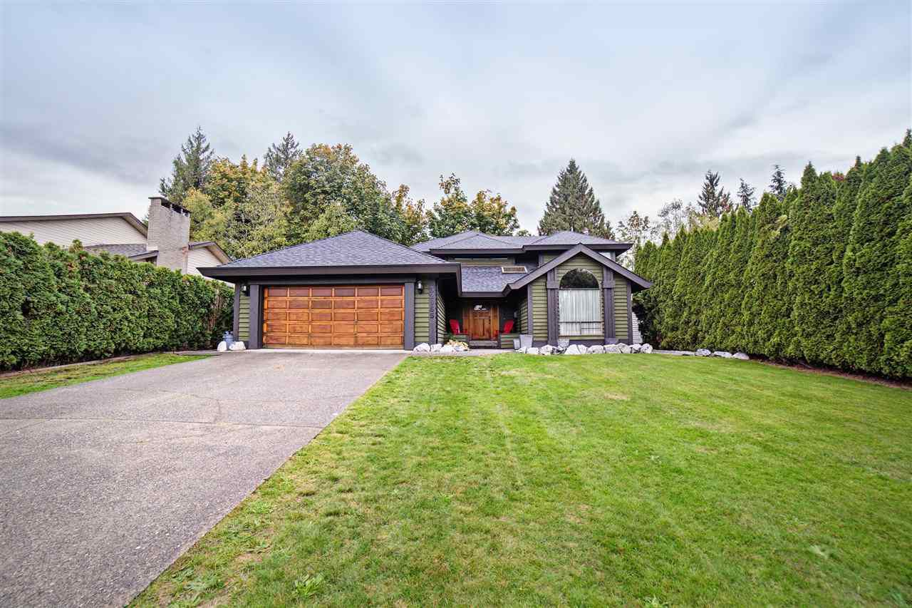 Main Photo: 32965 WHIDDEN Avenue in Mission: Mission BC House for sale : MLS®# R2215658