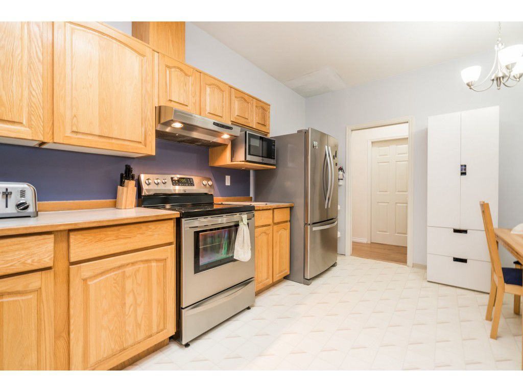 Photo 5: Photos: 49 23151 Haney Bypass in Maple Ridge: East Central Townhouse for sale : MLS®# R2222692