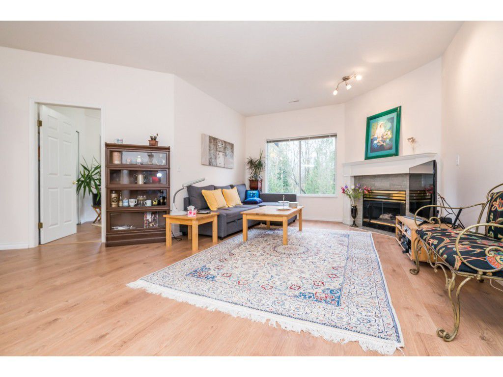 Photo 13: Photos: 49 23151 Haney Bypass in Maple Ridge: East Central Townhouse for sale : MLS®# R2222692
