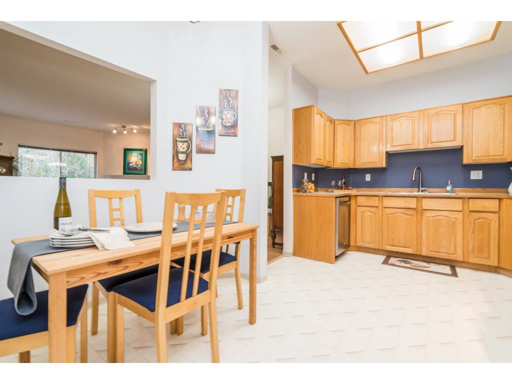 Photo 6: Photos: 49 23151 Haney Bypass in Maple Ridge: East Central Townhouse for sale : MLS®# R2222692