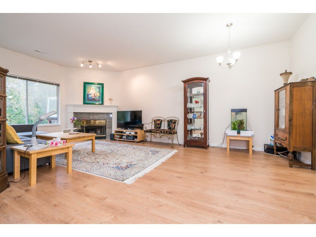 Photo 8: Photos: 49 23151 Haney Bypass in Maple Ridge: East Central Townhouse for sale : MLS®# R2222692