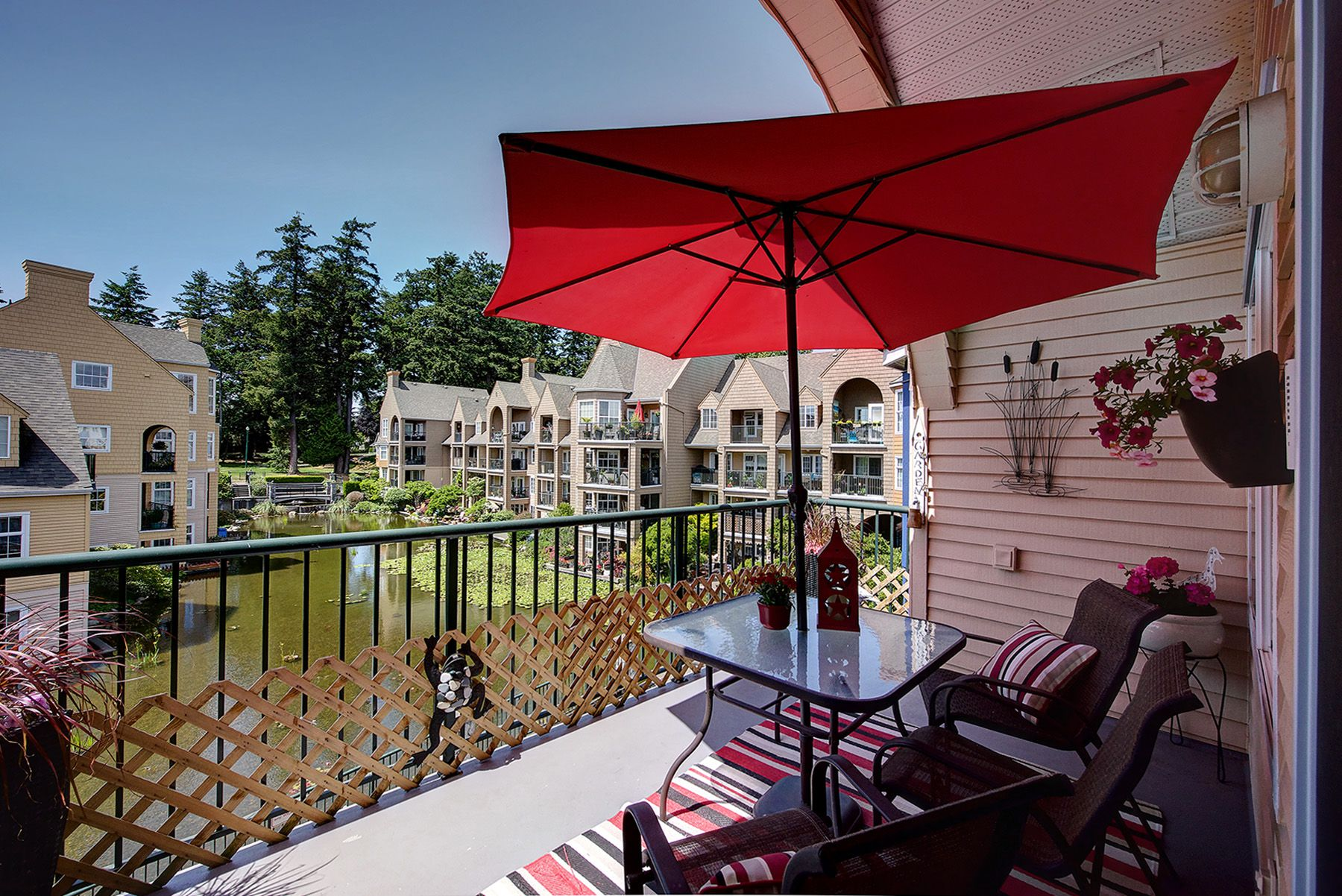 """Main Photo: 409 1363 56 Street in Delta: Cliff Drive Condo for sale in """"WINDSOR WOODS - THE STANWAY"""" (Tsawwassen)  : MLS®# R2276663"""