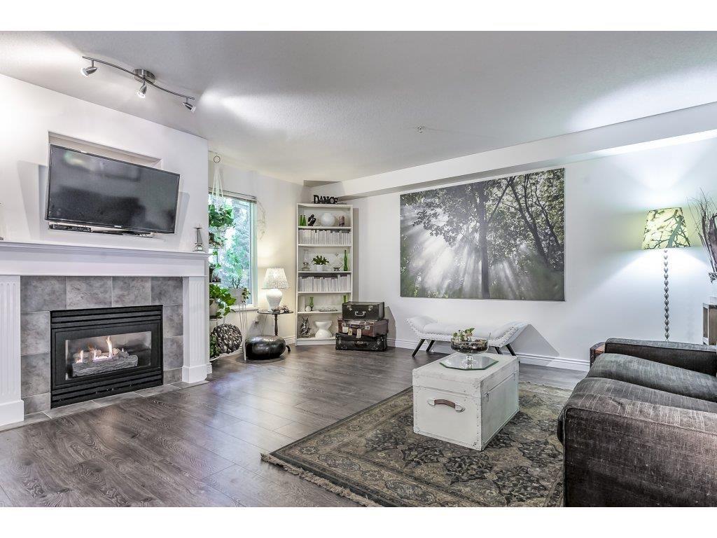 "Main Photo: 35 9036 208 Street in Langley: Walnut Grove Townhouse for sale in ""Hunters Glen"" : MLS®# R2291945"