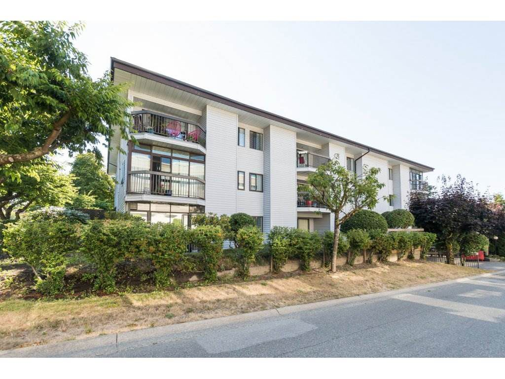 """Main Photo: 104 15290 THRIFT Avenue: White Rock Condo for sale in """"WINDERMERE"""" (South Surrey White Rock)  : MLS®# R2293238"""